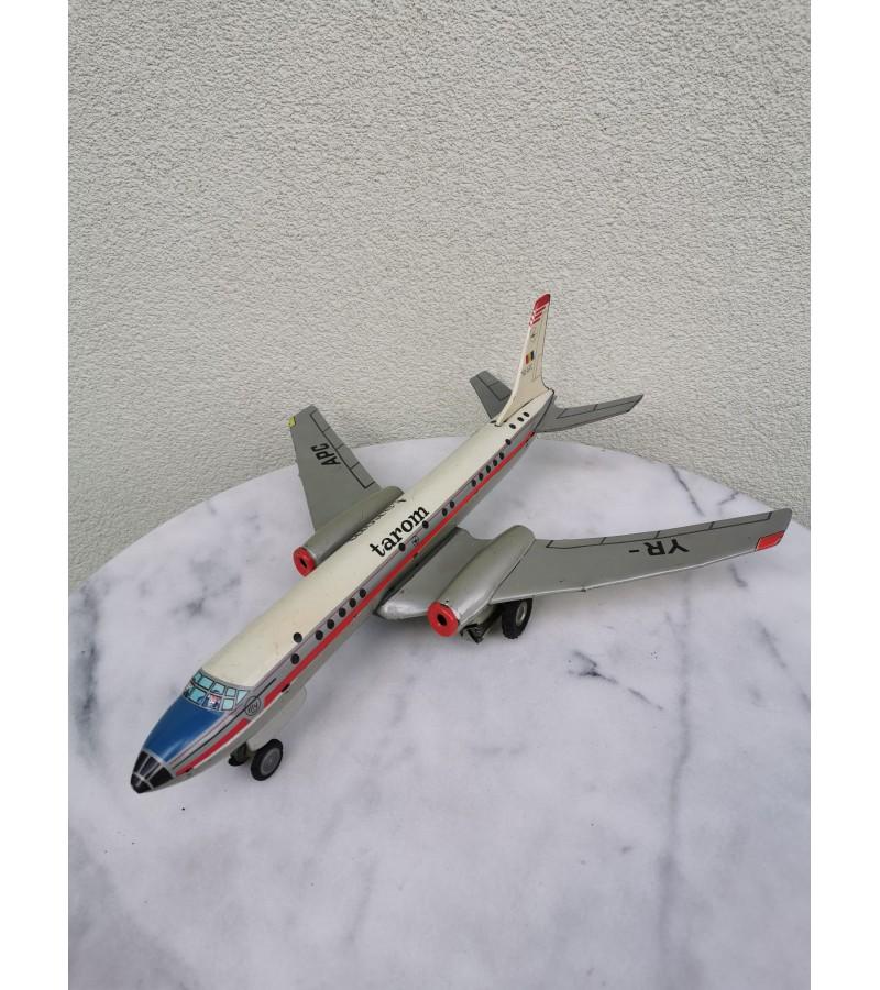 Lėktuvo modelis vintažinis, skardinis. 1966 m. Kaina 12