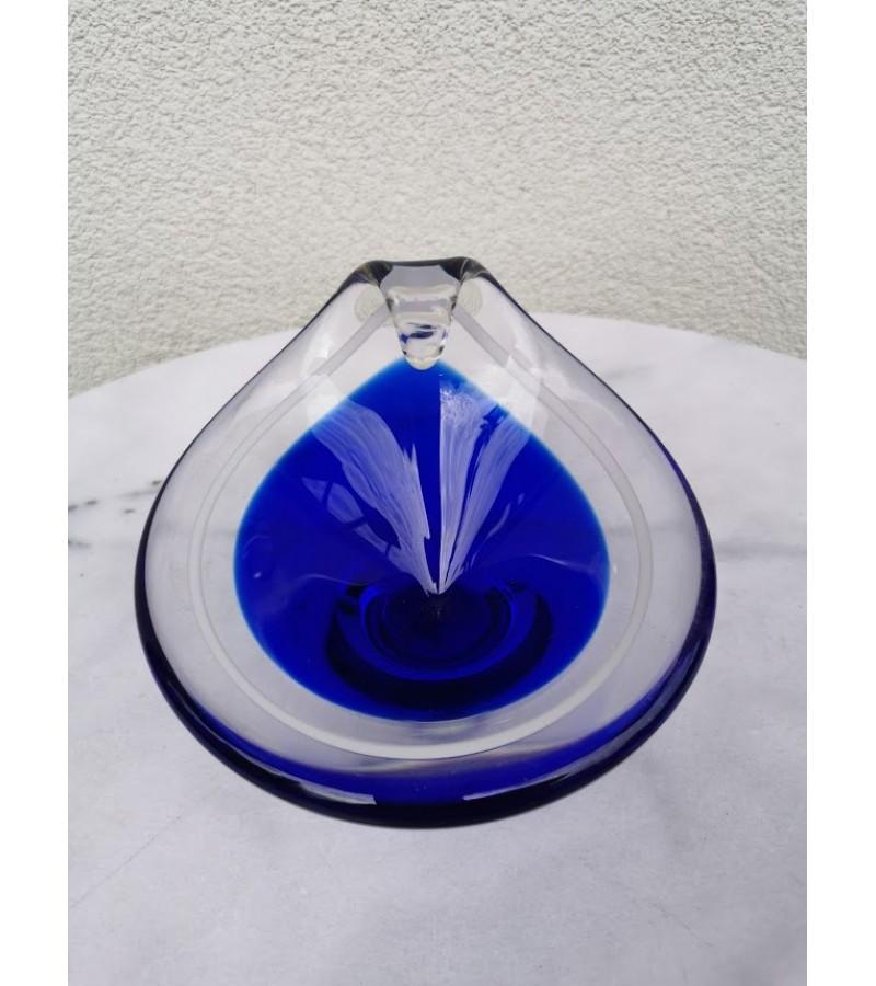 Vazelė vintažinė storo, spalvoto stiklo, sunki. Kaina 21
