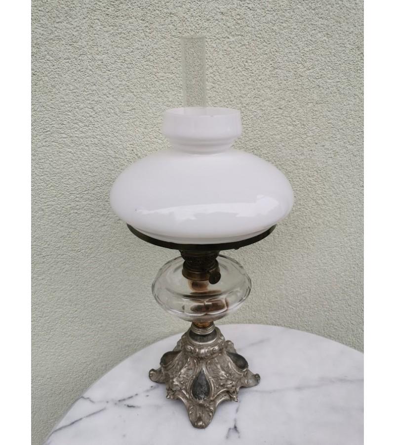 Žibalinė lempa antikvarinė originaliu gaubtu. Kaina 72