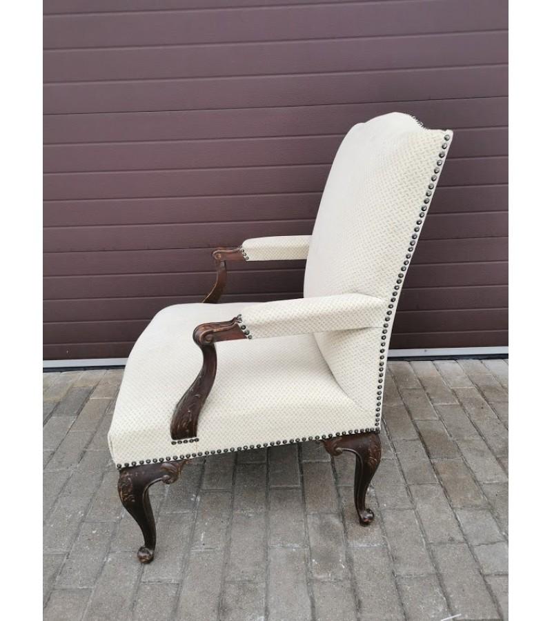 Krėslas, fotelis antikvarinis, patogus. Kaina 187