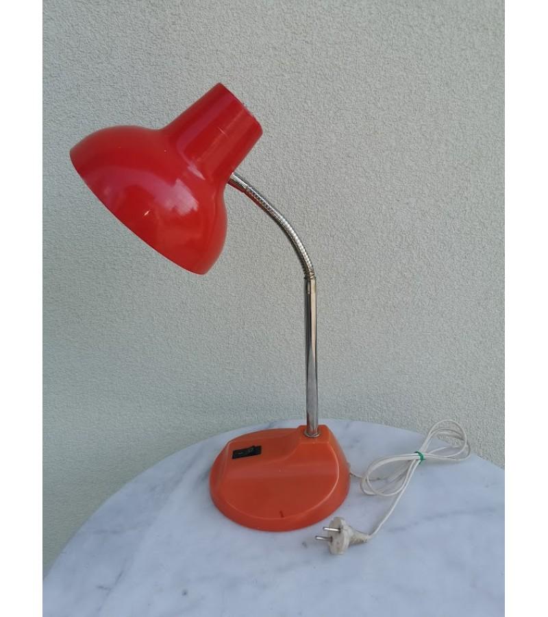 Tarybinė stalinė lempa, stalinis šviestuvas. Veikianti. 1982 m. Kaina 23